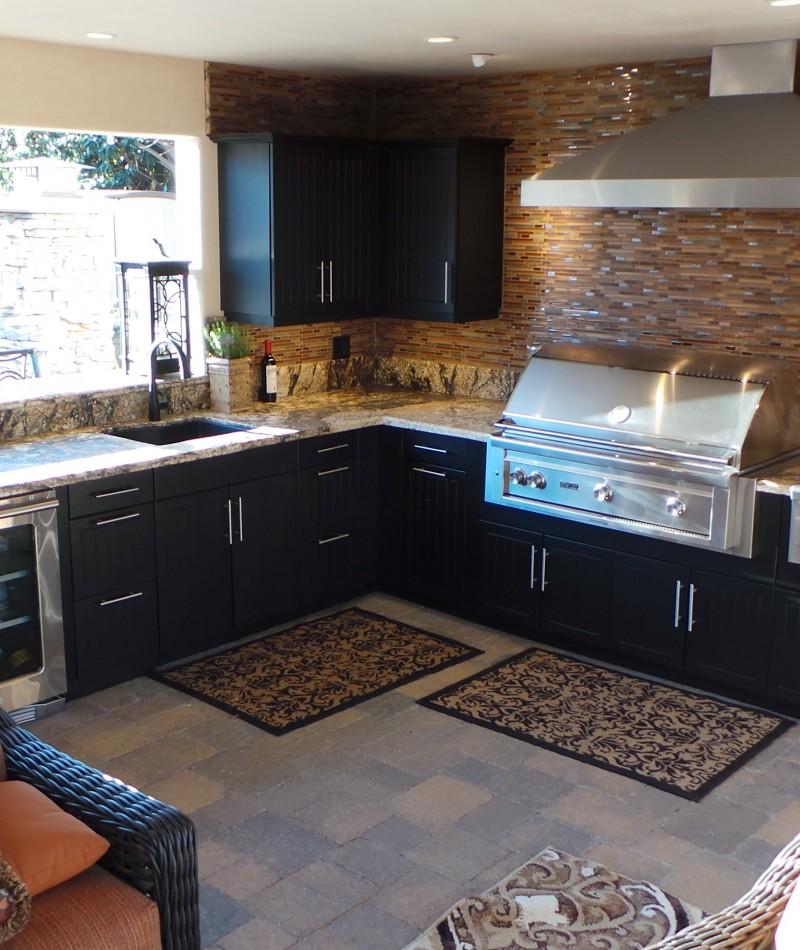 Outdoor Kitchen w/Black Cabinets