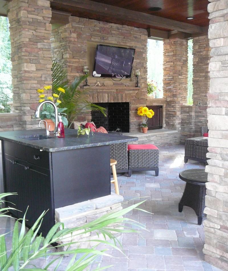 Pool House, Fireplace